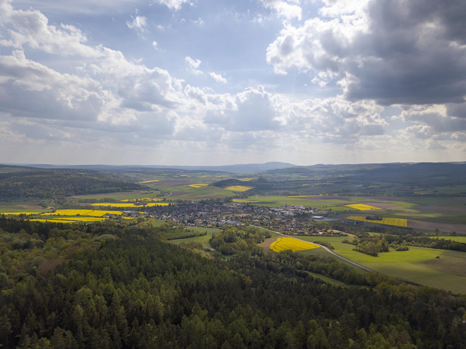 Hoch hinaus über die Streutalallianz bei Nordheim v. d. Rhön (Foto: Leska Wunderwelt)