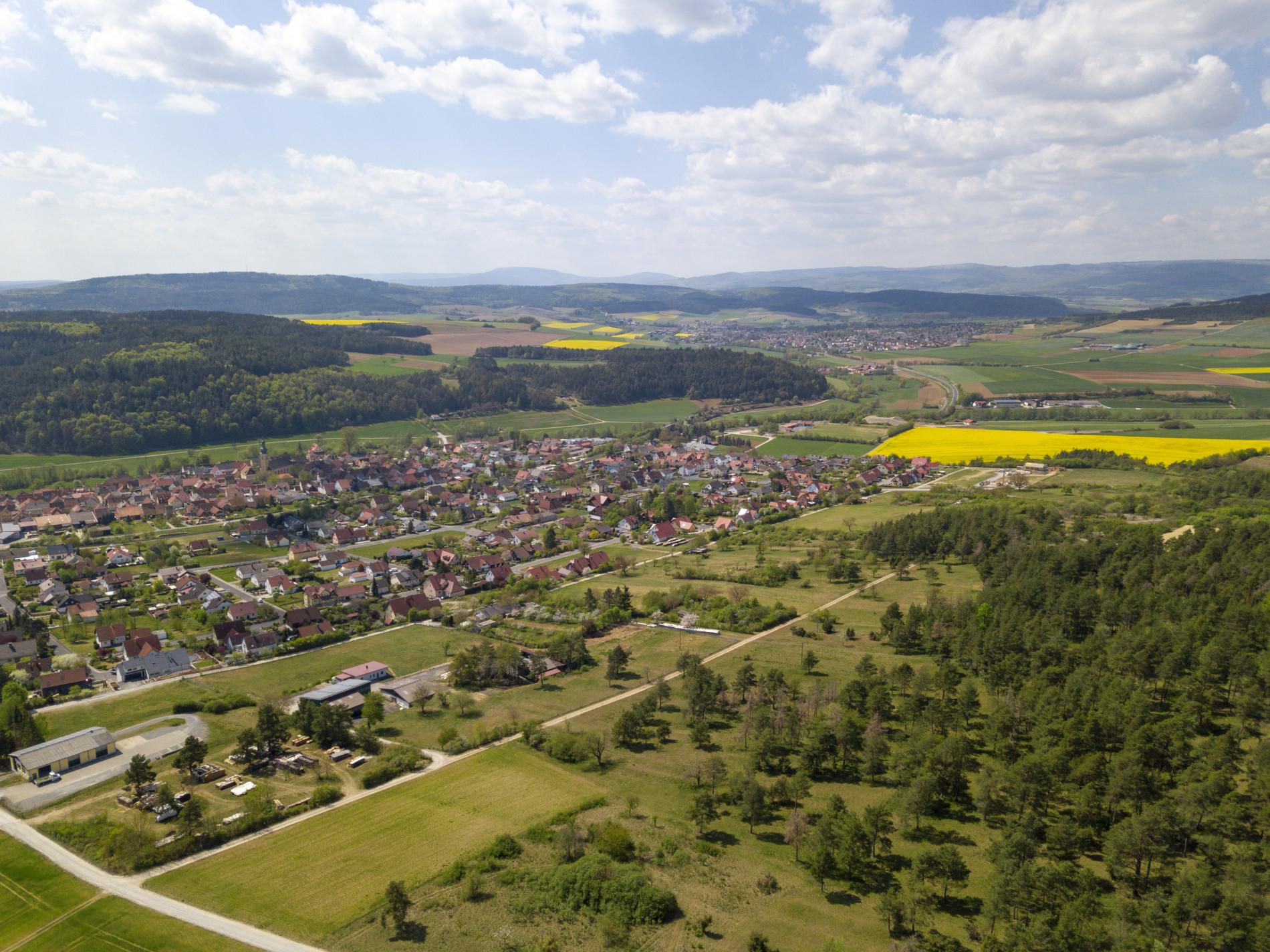 Hoch über der Streutalallianz Stockheim Rhön (Foto: Leska Wunderwelt)