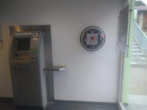 Der Defibrillator in Bastheim (Foto: Gemeinde Bastheim).
