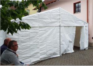 Vereinszelt Hausen (Foto: Gemeinde Hausen/Rhön).